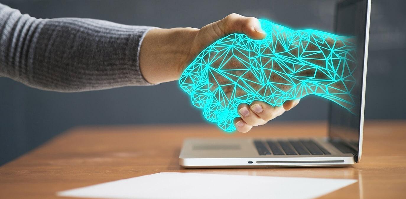 Cyber Versicherung – Mit dem Cyber-Assistant zum Bodyguard im Internet